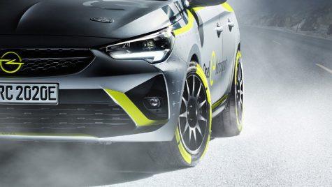 Ce model Opel se ascunde sub prelată? Are peste 130 de cai putere!