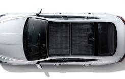 Aceasta este prima mașină din lume cu panouri fotovoltaice