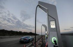Ce mașină electrică a parcurs aproape 3.500 de kilometri în 24 de ore?