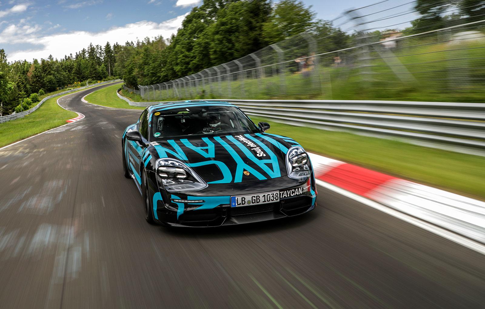 Porsche Taycan (2)