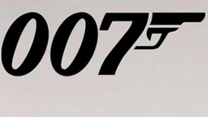 masina-james-bond-vanduta-suma-colosala-a-aparut-6-filme-seriei-toate-nebuniile-arme-obiecte-spionaj-370390