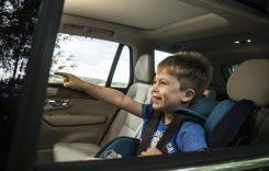 Top 5 motive pentru care să nu lași copiii singuri în mașină