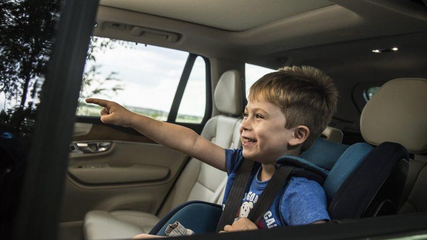 pericole copiii in mașină