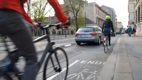 STATISTICĂ ÎNFIORĂTOARE: În România ai cele mai mari 'șanse' din UE să mori într-un accident rutier dacă ești BICICLIST sau PIETON