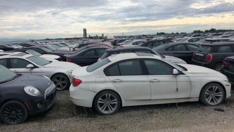 Mii de BMW-uri zac abandonate. Care este motivul?