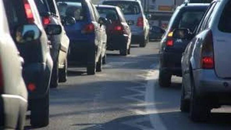 circulatie-oprita-duminica-autostrada-soarelui-o-masina-a-luat-foc-in-timpul-deplasarii-380954