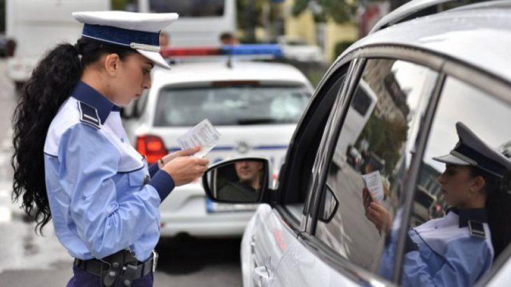 Azi intră în vigoare legea care te lasă fără permis dacă vorbești la telefon