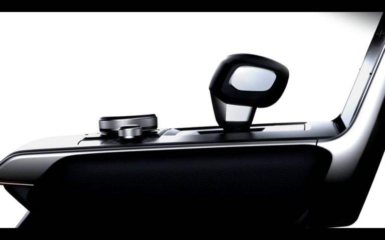 Interior Mazda electrică