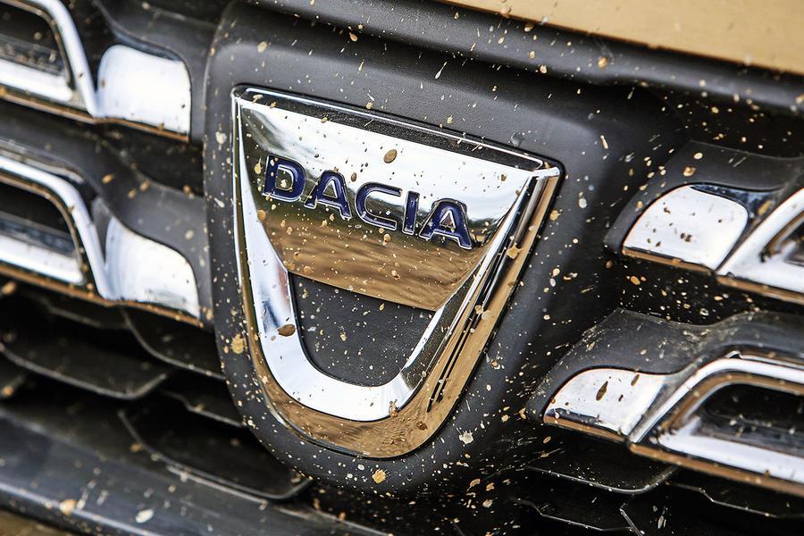 Dacia Duster Autocar (2)
