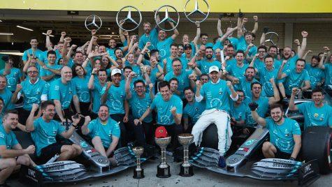 Record: Mercedes-AMG ia titlul pentru a șasea oară la rând
