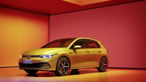 Volkswagen reia livrările pentru Golf 8 după ce a remediat problemele software