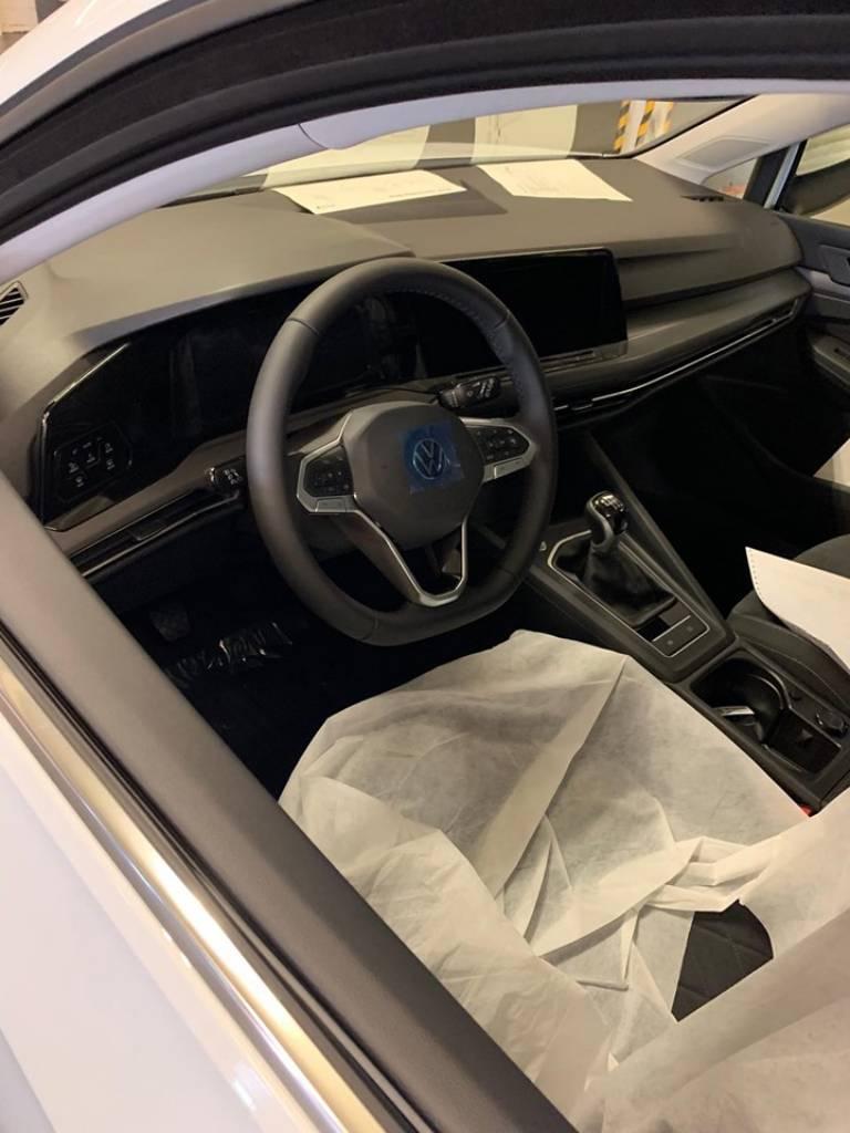 Noul Volkswagen Golf Mk8 (4)