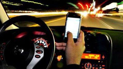 Cifre de groază – Stăm cu ochii în telefon mai mult decât la drum