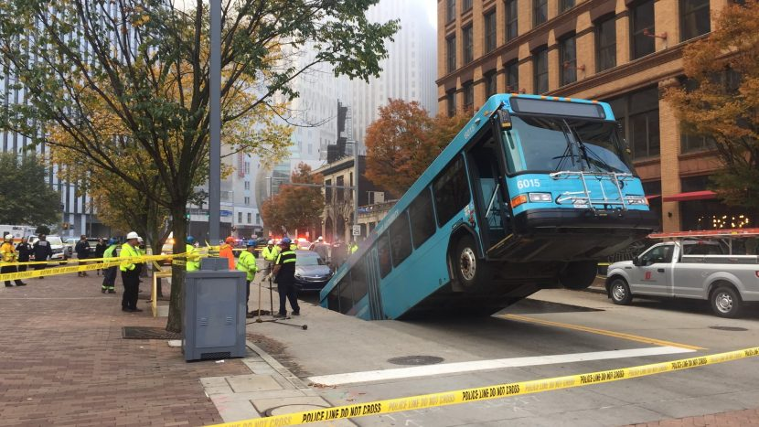 autobuz în groapă (2)