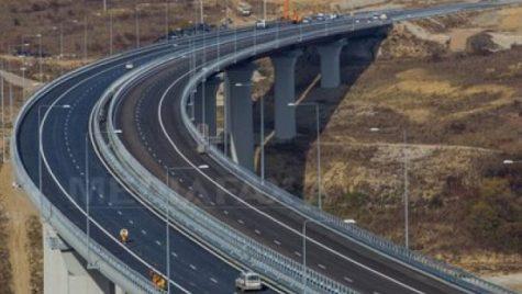 Problemele se țin lanț pe AUTOSTRADA Orăștie – Sibiu: S-a LĂSAT asfaltul!