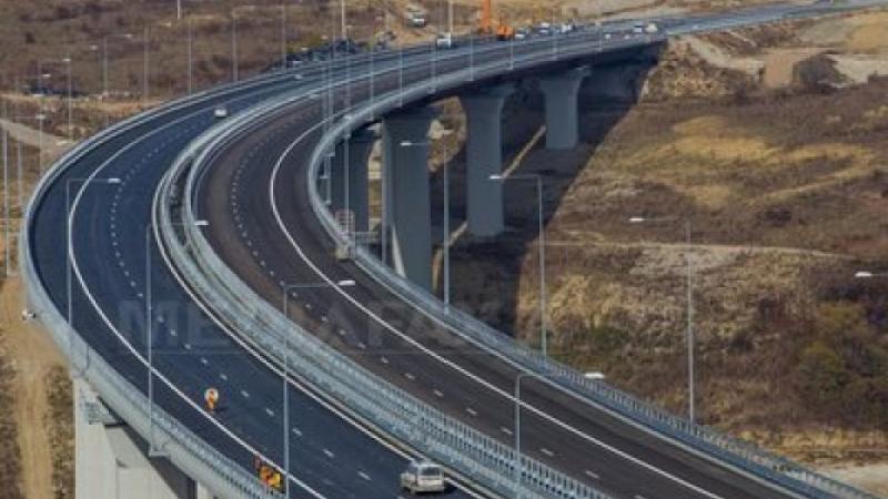 autostrada-orastie-sibiu-s-a-lasat-asfaltul-382424