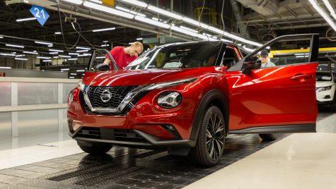 Motivul pentru care Nissan ia în considerare vânzarea a două uzine din Europa