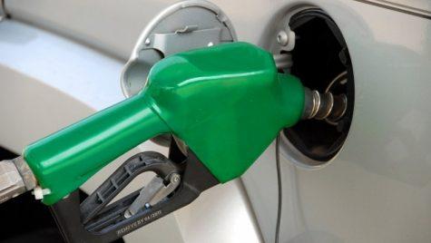 O nouă lovitură pentru șoferi! Cu cât se vor scumpi carburanţii de la 1 ianuarie