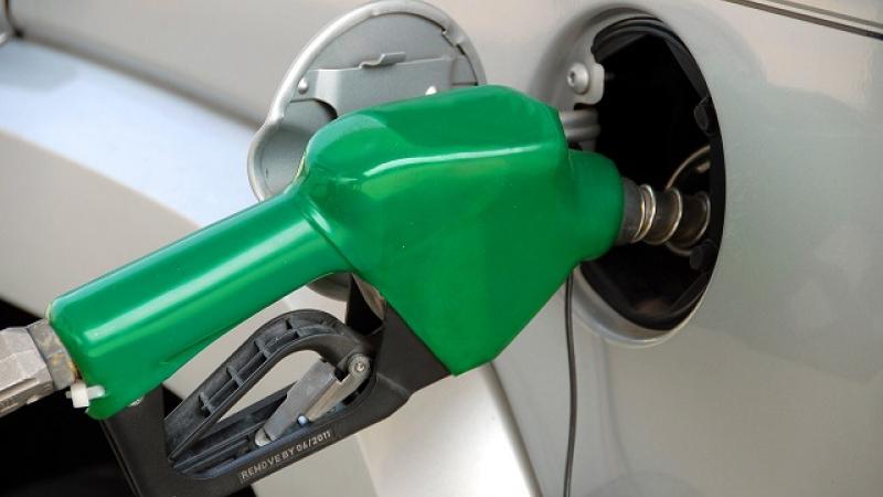 o-noua-lovitura-pentru-soferi-cu-cat-se-va-scumpi-carburantii-de-la-1-ianuariem-ca-urmare-a-ajustarii-accizelor-393214