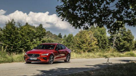 Recall pentru 2.2 milioane de automobile Volvo: posibile probleme la centurile de siguranță