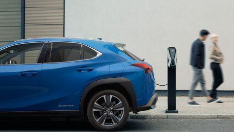 Lexus a prezentat primul său model electric din gamă: UX 300e
