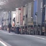 Transportatorii amenință cu ample PROTESTE la frontiera cu Ungaria: 'Sunt ZECI DE KILOMETRI de camio ...