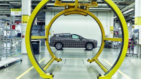 BMW investește 400 milioane de euro în uzina de Dingolfing