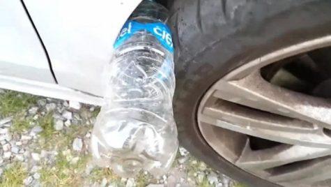 Ce se întâmplă dacă găsești o sticlă de plastic pusă la roata mașinii