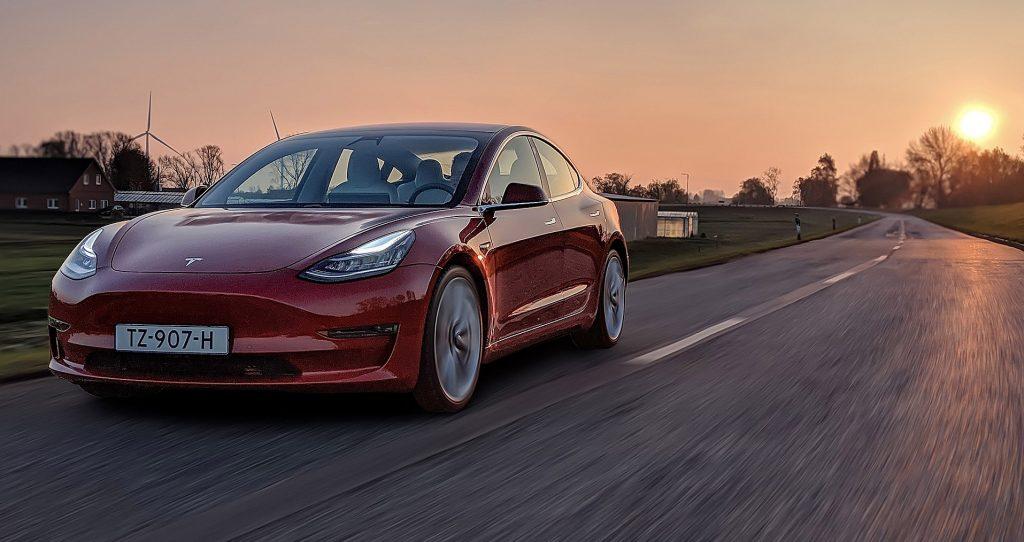 Tesla Model 3, cel mai bine vândut EV în 2019 – raport