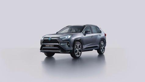 Toyota Rav4 Plug-in Hybrid oferă 75 km autonomie în mod electric