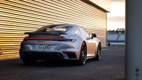Porsche 911 Turbo S: imagini noi cu cel mai puternic model din gama 911