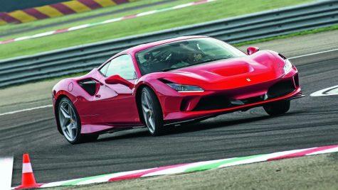 Primul test Ferrari F8 Tributo: Un hypercar pentru șoferi normali