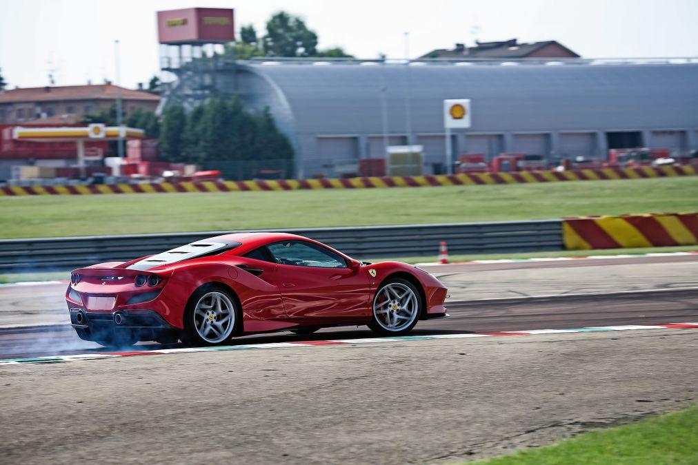 test Ferrari F8 Tributo 2020