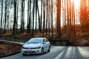 VW Polo răsturnat
