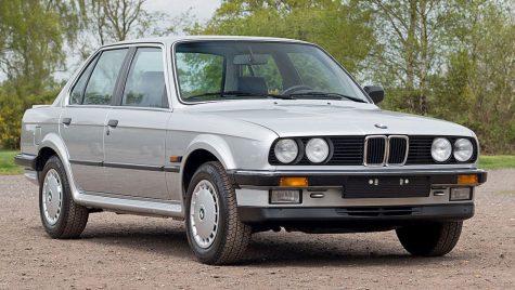 BMW 325iX de 34 de ani cu 508km