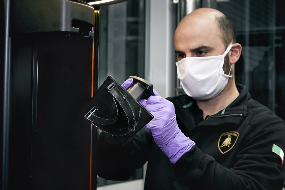 Lamborghini - masti si viziere medicale