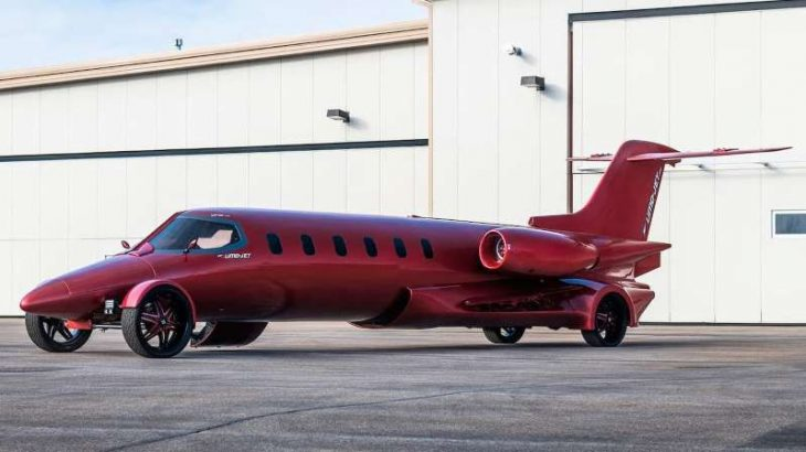 Curiozitate: Limo-Jet un avion cu reacție trasformat în limuzină,  scos acum la vânzare