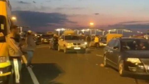 Aproximativ 14.000 de persoane și 10.000 de mijloace de transport au trecut prin punctele de frontieră în ultimele 24 de ore