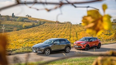 Test comparativ Mazda CX-30 vs Toyota C-HR: Nuanțe de eco