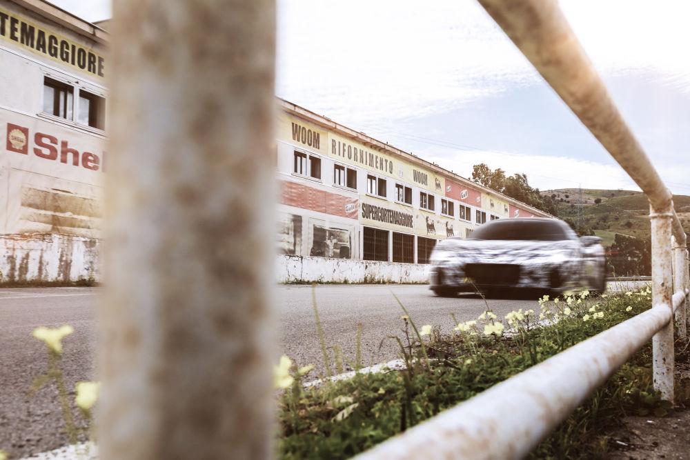 Maserati testează prototipul modelului sport MC20