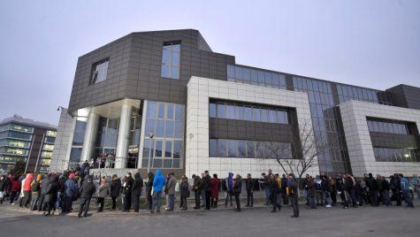 Direcţia Permise şi Înmatriculări îşi reia de azi activitatea cu publicul
