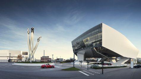 Pe 17 mai, Muzeul Porsche oferă tururi ghidate în limba română disponibile online