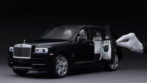 Rolls-Royce Cullinan: machetă la scara 1:8 asamblată din peste 1.000 de componente