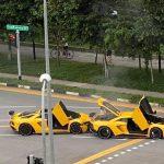 Un Lamborghini Aventador S galben lovește altul… identic!