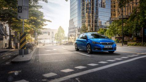 Peugeot 308 facelift: modelul compact primește instrumente de bord digitale