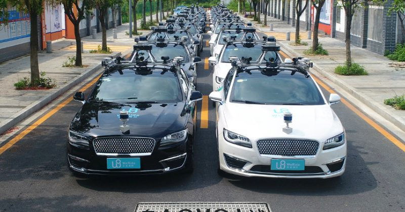 Chinezii au început testarea modelelor complet autonome fără supraveghetor la bord!
