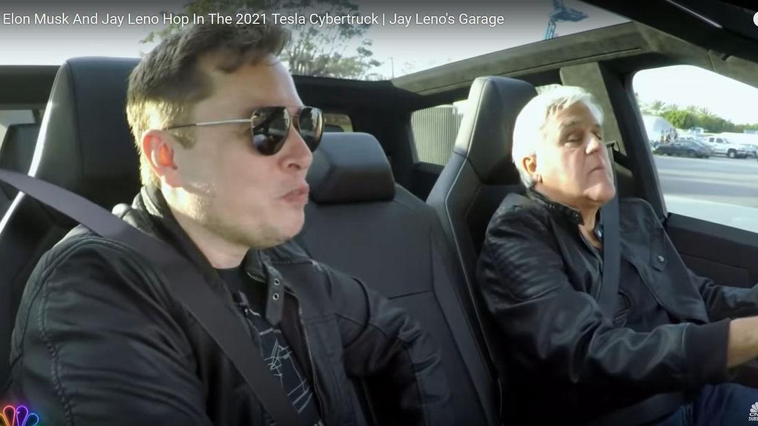Jay leno si Elon Muck test drive Tesla Cybertruck