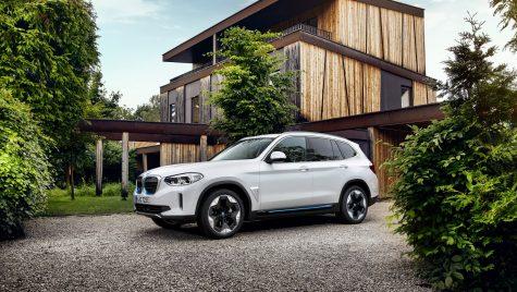 BMW iX3: SUV-ul electric pornește de la 67.592 euro în România