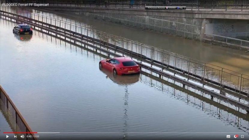 Ferrari FF a intrat la apă