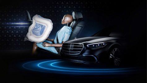 Noul Mercedes-Benz S-Class va avea airbaguri frontale pentru pasagerii din spate